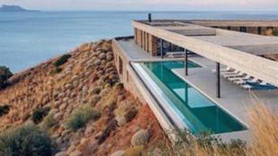 Ngôi nhà chạy bằng năng lượng mặt trời trên đỉnh đồi