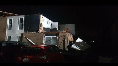 Lốc xoáy dị thường càn quét bang Missouri (Mỹ), 3 người thiệt mạng