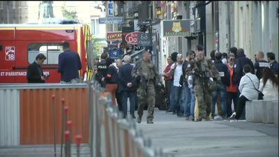 Nổ bom tự chế ở Lyon, hàng chục người bị thương