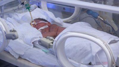 Sức khỏe con trai sản phụ ung thư tiến triển tốt sau 3 ngày sinh
