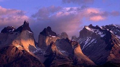 Ngắm nhìn vẻ đẹp hút hồn của dãy núi dài nhất thế giới