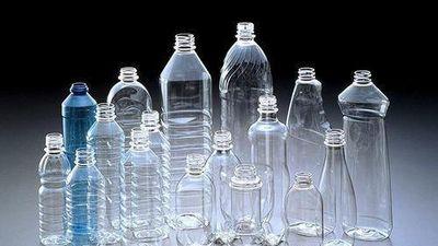 Mỗi tuần một người ăn lượng nhựa tương đương thẻ ngân hàng