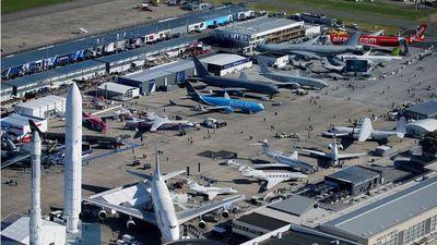 Máy bay thế hệ mới tại Triển lãm Hàng không Quốc tế Paris lần thứ 53
