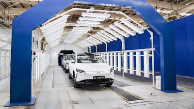 Đối thủ của Tesla tại TQ sản xuất xe điện thứ 10.000