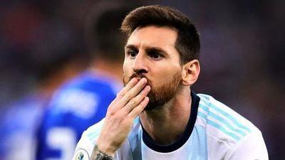 Lionel Messi: 'Thật điên rồ nếu Argentina không vượt qua vòng bảng'