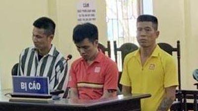Nhóm đánh nữ nhân viên Vietjet Air vì không được chụp ảnh chung ra tòa