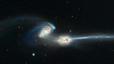 Phát hiện bằng chứng sớm nhất về 2 dải ngân hà sáp nhập vào nhau