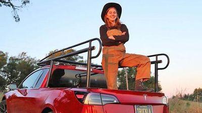 Tesla Model 3 đầu tiên độ xe bán tải từ một cô gái
