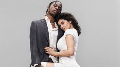 CLIP: Kylie Jenner đẹp đôi bên Travis Scott khi tham gia sự kiện