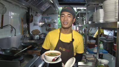 Cùng đầu bếp nhà hàng Thái làm món tom yum kung trứ danh