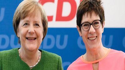 Sự thật bất ngờ về nữ Bộ trưởng Quốc phòng mới của Đức