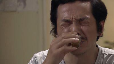 'Về nhà đi con' tập 69: Ông Sơn ngậm đắng nuốt cay vì Vũ phản bội Thư