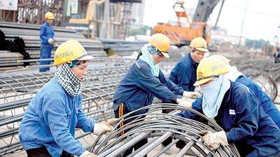 Tăng lương, vì sao người lao động vẫn chưa đủ sống?
