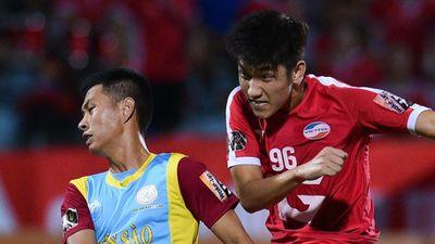 Trọng Đại tái hiện đường chuyền của Ronaldinho trước Khánh Hòa