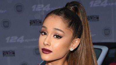 Ariana Grande khiến fan bất ngờ khi lộ ảnh tóc thật của mình