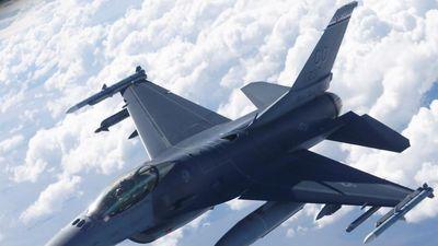 Trung Quốc cảnh báo Mỹ đối mắt 'mọi hậu quả' nếu bán F-16 cho Đài Loan