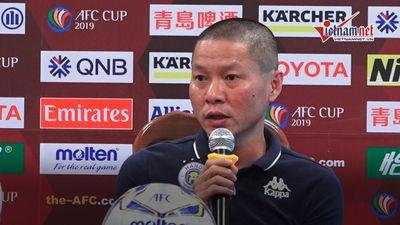 'Văn Hậu dính 3, 4 chấn thương, không thế đá trận gặp Thái Lan'