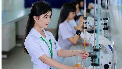 Nhiều trường đại học tuyển sinh bổ sung khối ngành sức khỏe