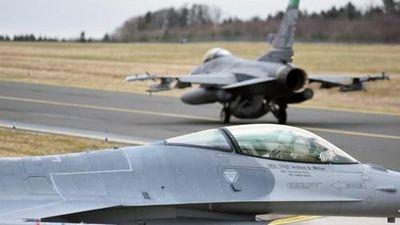 Đài Loan chi 8 tỷ USD mua máy bay Mỹ, Bắc Kinh có 'đe dọa'?