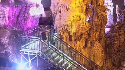 4 du khách Trung Quốc bẻ thạch nhũ hàng tỷ năm tuổi