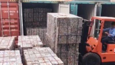 5 container nhôm phế liệu 'đội lốt' gốm nung tại cảng Cát Lái
