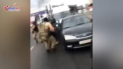 Xem đội đặc nhiệm Nga xả súng, tóm gọn băng đảng buôn lậu