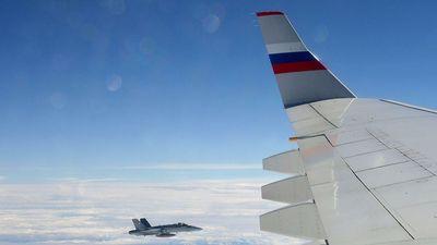 Video chiến đấu cơ Thụy Sĩ 'hiếu khách' áp sát máy bay chở đoàn cấp cao Nga