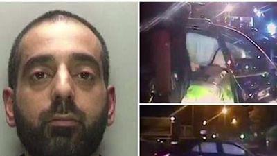 Xe Mercedes bị lật nhào khi đang chạy trốn cảnh sát