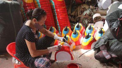 Làng nghề đồ chơi truyền thống tất bật mùa Trung thu