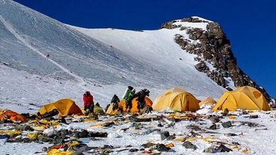Nepal cấm các loại đồ nhựa dùng một lần tại khu vực núi Everest