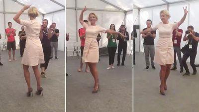Chiêm ngưỡng điệu nhảy của người phát ngôn Bộ Ngoại giao Nga