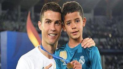 Ronaldo bật mí cách dạy con trai quý trọng đồng tiền