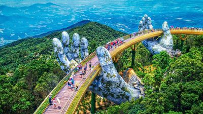 Cầu Vàng Đà Nẵng nằm ở độ cao bao nhiêu so với mực nước biển?