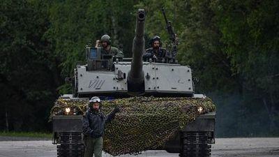 Mổ xẻ xe tăng Italy lần đầu tiên xuất hiện gần Nga