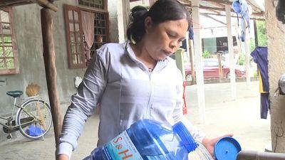 Người dân thiếu nước sinh hoạt sau sự cố tàu cá đâm vào cầu