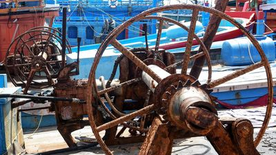 Cận cảnh nghĩa địa tàu cá ở Quảng Ngãi