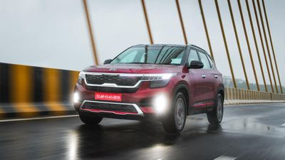 SUV mới Kia Seltos bất ngờ xuất hiện tại Mỹ, tiếp theo có thể là VN?