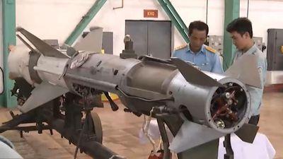 Quá giỏi: Việt Nam sửa chữa tên lửa phòng không siêu tinh vi