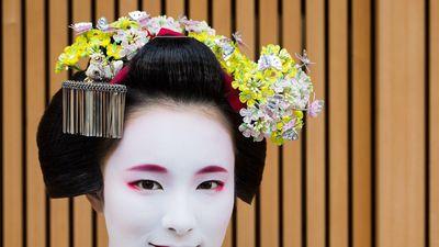 Toàn bộ quá trình make up, mặc đồ để trở thành Maiko ở Nhật Bản