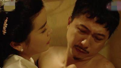 Cao Thái Hà cưỡng hôn Hứa Minh Đạt ở 'Tiếng sét trong mưa'