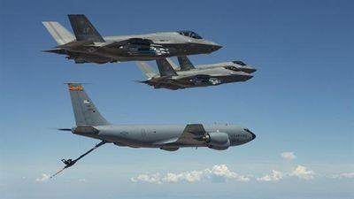 F-35 'quái thú' nguy cơ bị hạ khi chưa kịp khai hỏa