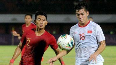 CLIP: Đội tuyển Việt Nam 'vùi dập' Indonesia