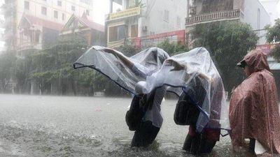 Toàn cảnh trận lụt lịch sử tại TP Vinh hàng chục năm chưa xảy ra