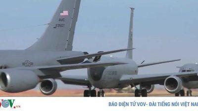 Xem 'thùng xăng bay' KC-135 Stratotanker của Mỹ biểu diễn 'voi đi bộ'