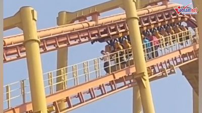 Người chơi bị treo ngược trên tàu lượn ở độ cao 60m do bị cắt điện