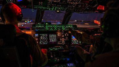 Cho hành khách lái thử máy bay, phi công lãnh hậu quả