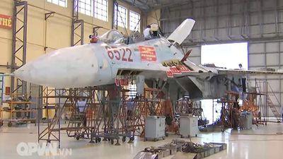 Có gì bên trong 'bệnh viện' của dàn tiêm kích Su-27 Việt Nam ?