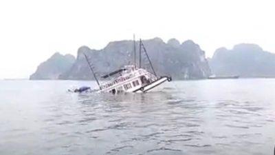 Va chạm với tàu chở đá, tàu du lịch Viola bị chìm trong 'phút mốt'