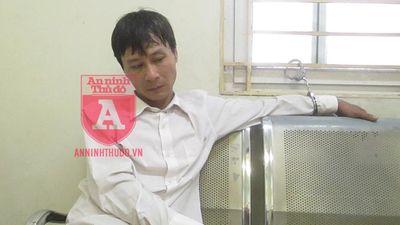 Người đàn ông bị Cảnh sát 141 khống chế khi vẫn trong trạng thái 'lạ'