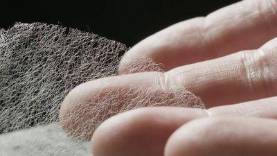 Loại giấy mỏng nhất thế giới được làm như thế nào?